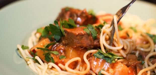 carne de vaca com esparguete