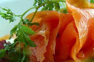 receita de salada de salmão fumado