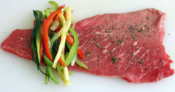 rolo de bife e legumes